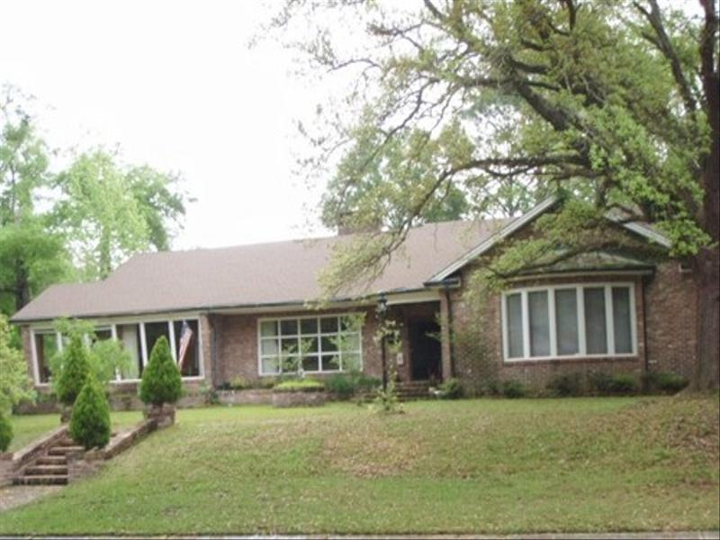 256 Indian Creek Dr W, Mobile, AL 36607