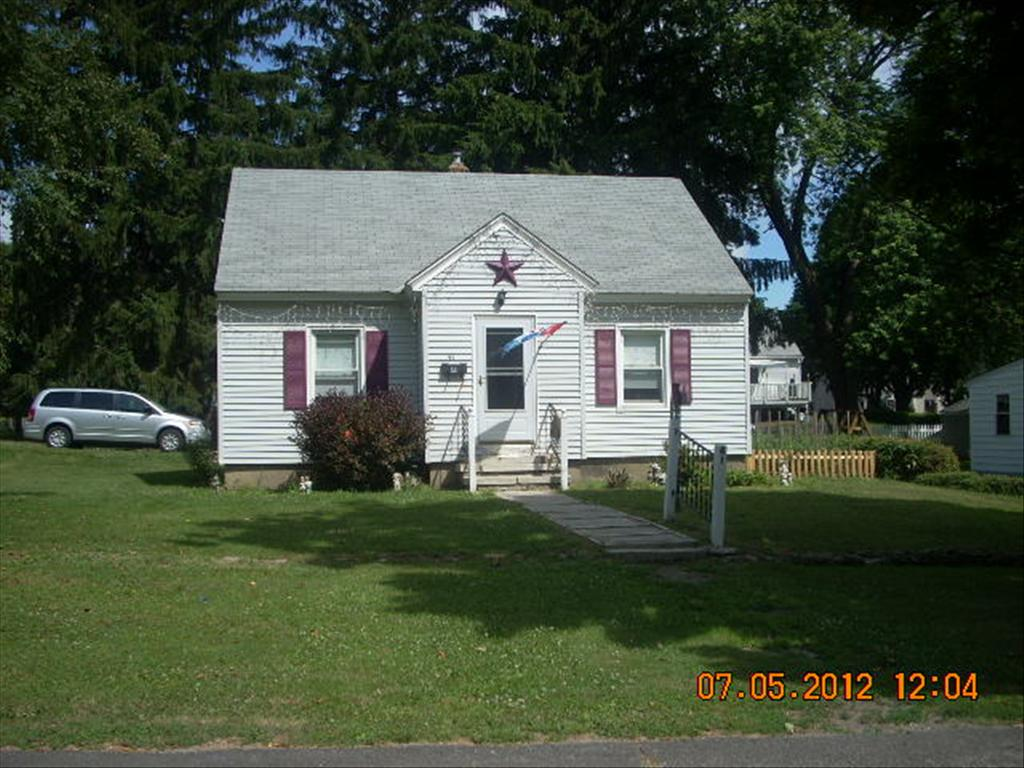 41 Delaware Ave, Pittsfield, MA 01201