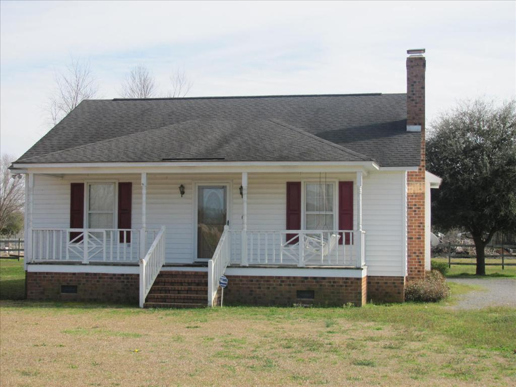 2606 Willow Creek Rd, Effingham, SC 29541
