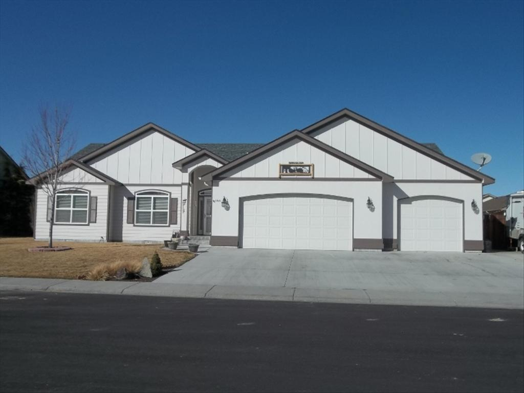 186 NE Windy St, Mountain Home, ID 83647