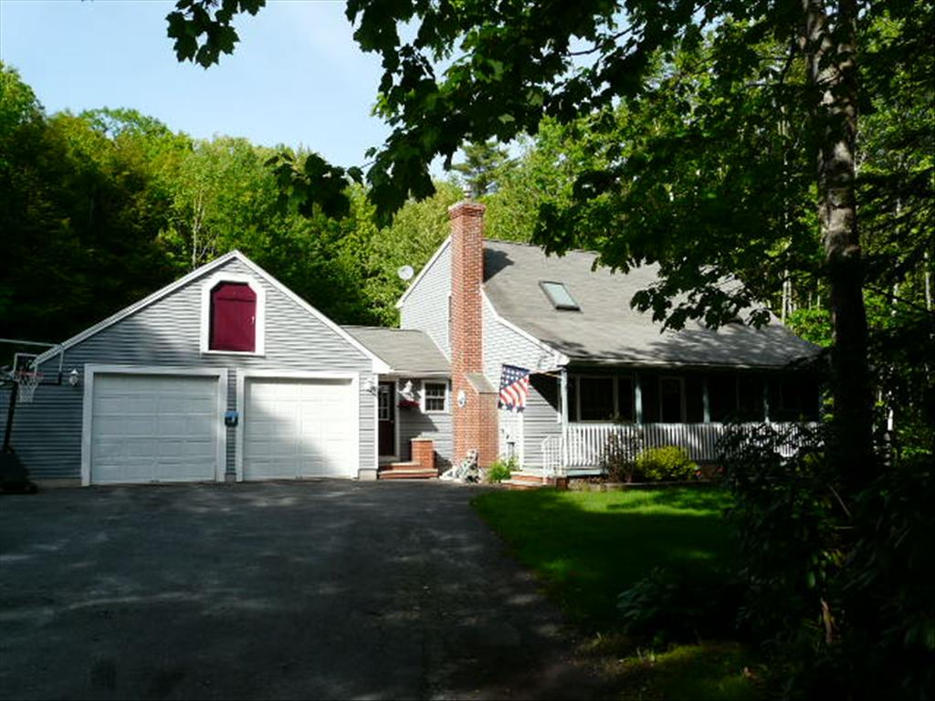 7 Stone Brook Rd, Windham, ME 04062