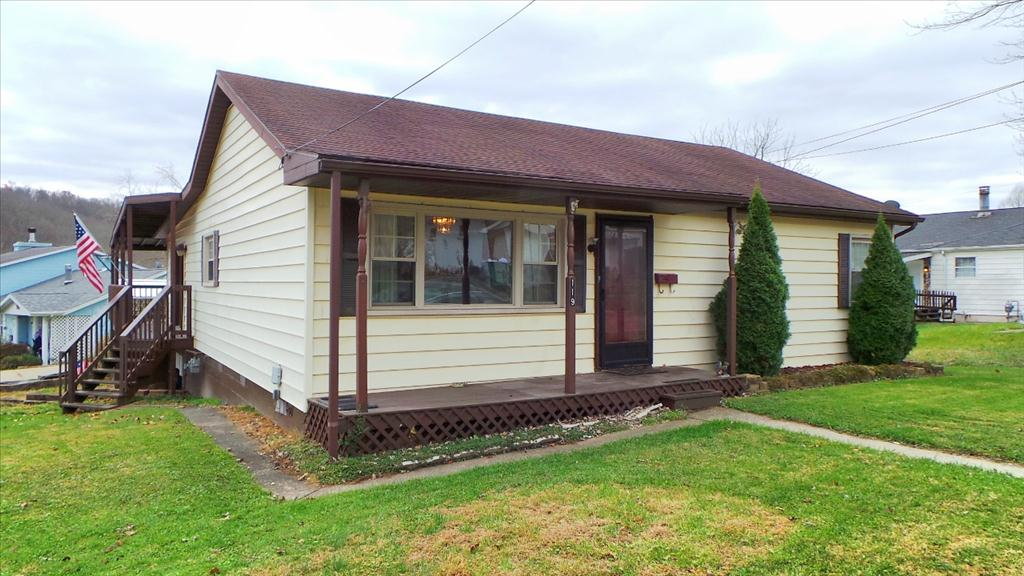 119 Ada Dell Ave, Hurricane, WV 25526