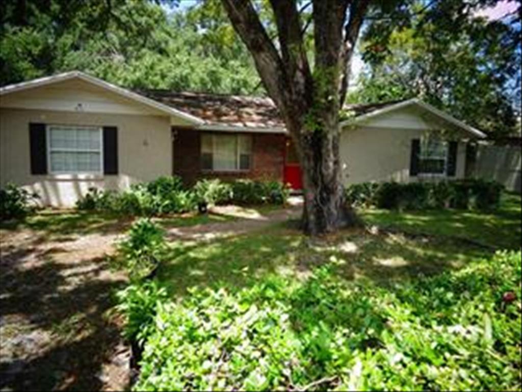 411 W Citrus St, Altamonte Springs, FL 32714