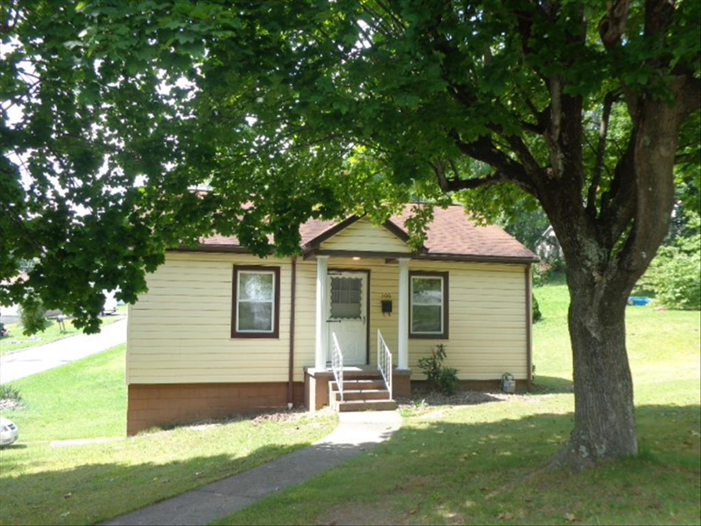 306 Edgewood Dr, Beckley, WV 25801