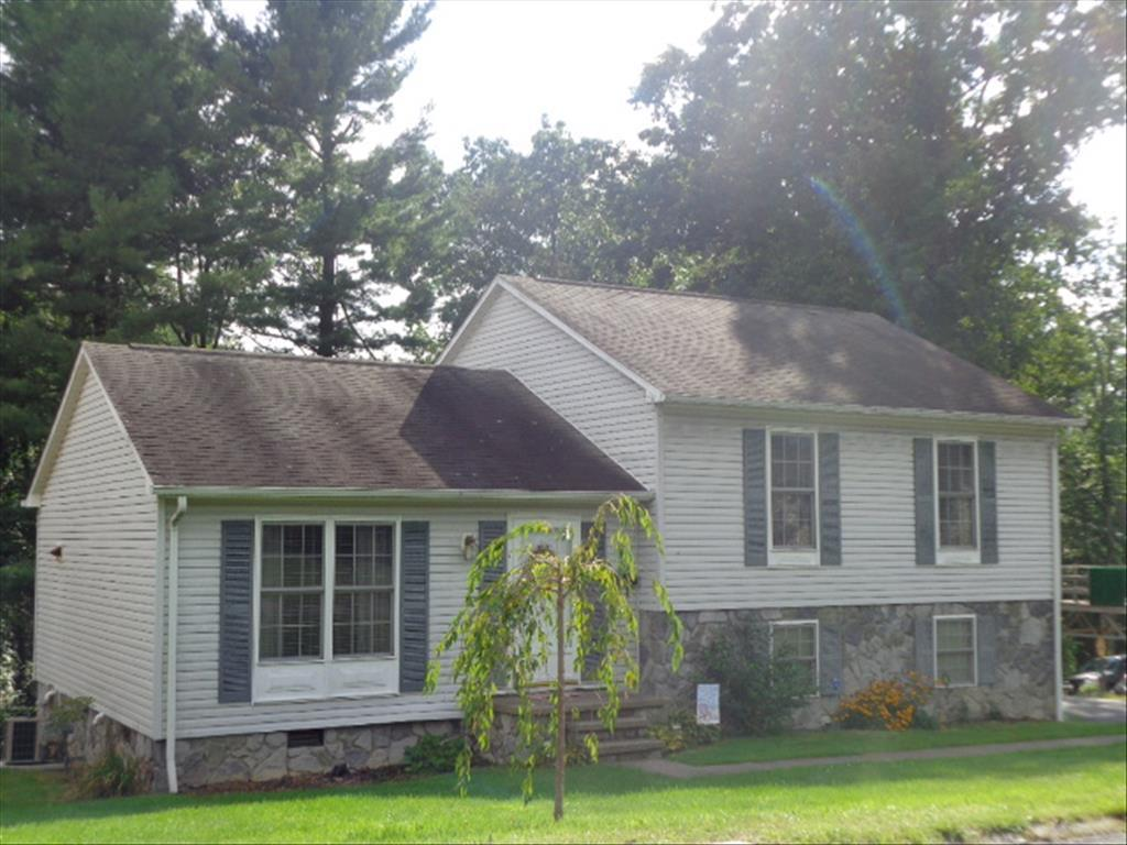 122 Northwestern Ave, Beckley, WV 25801