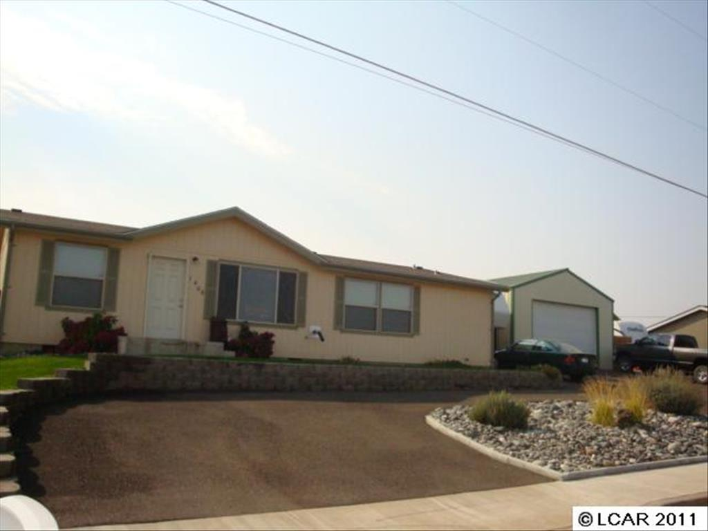 1406 Bryden Ave, Lewiston, ID 83501