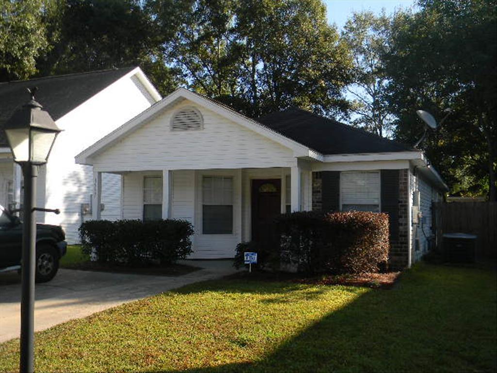 1999 Laurel Oak Ct, Mobile, AL 36695