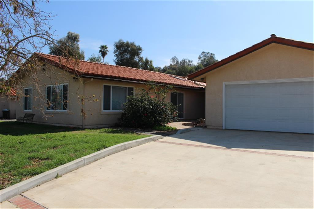 13765 Whispering Meadows Ln, Jamul, CA 91935