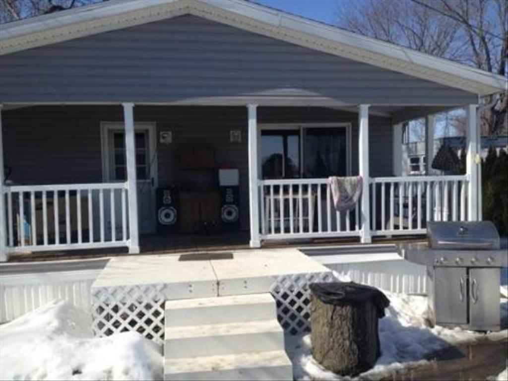 240 Lakeview Dr, Millbury, OH 43447
