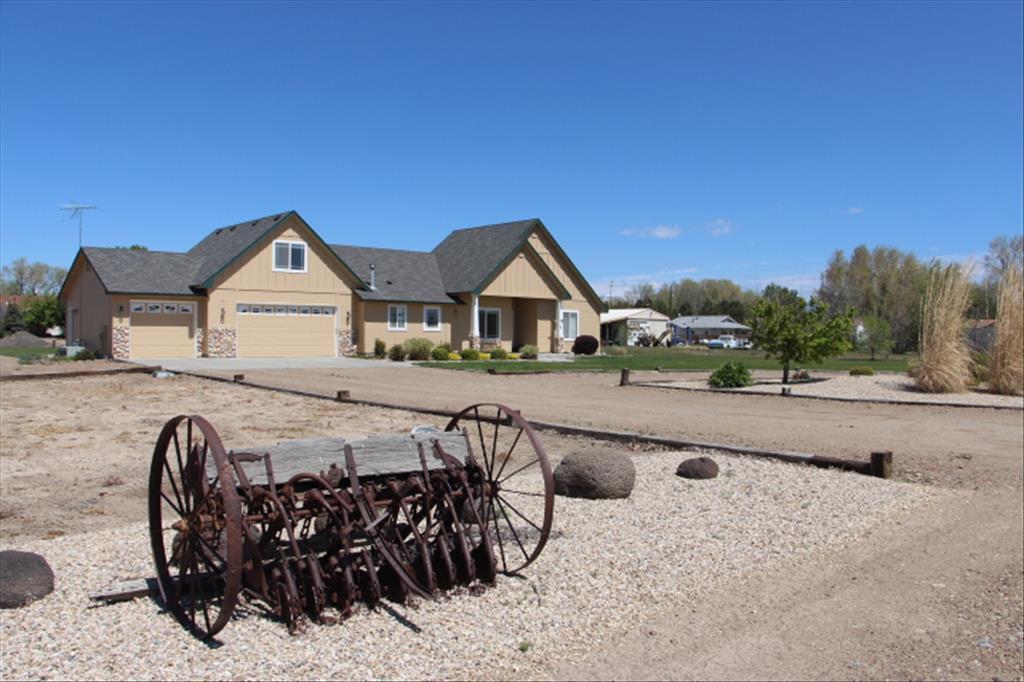 2.5 acres Mountain Home, ID