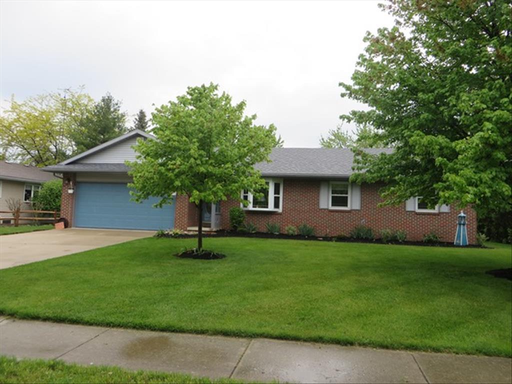 804 Village Pkwy, Waterville, OH 43566