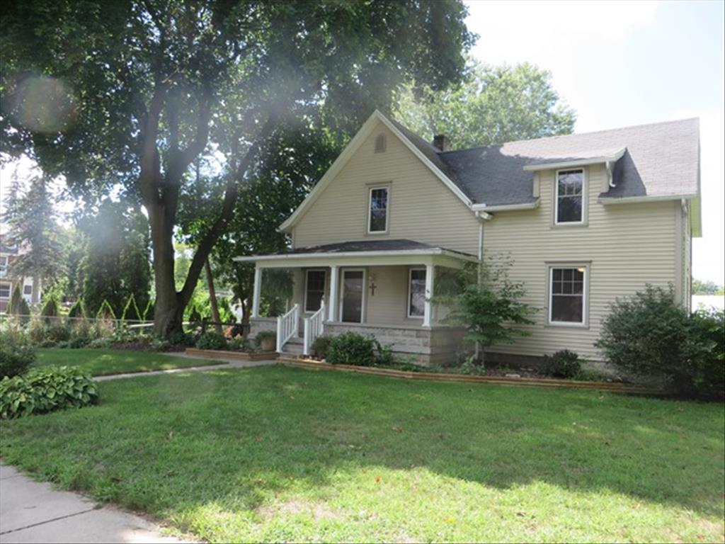 29 N 5th St, Waterville, OH 43566