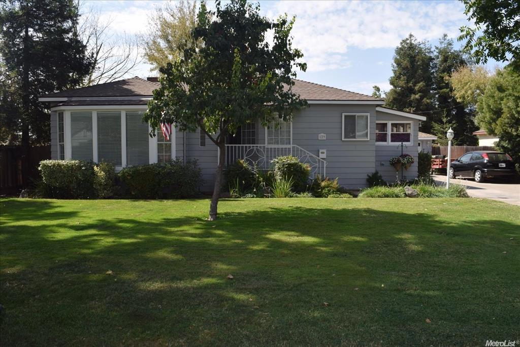 129 Wilson Ave, Modesto, CA 95354