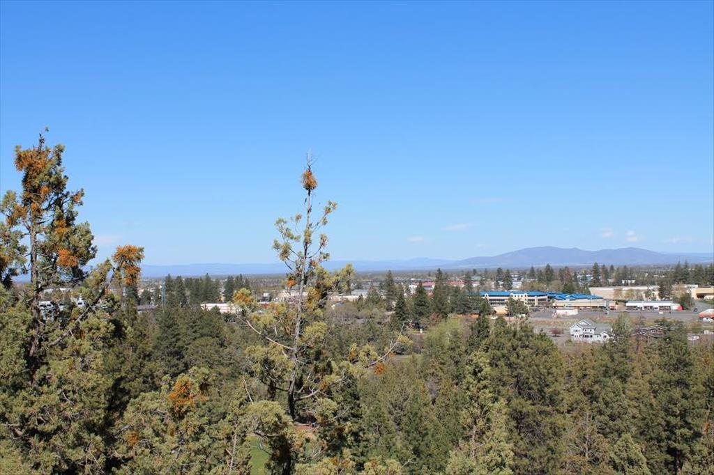 3287  NW Fairway Heights Dr Bend, OR 97703