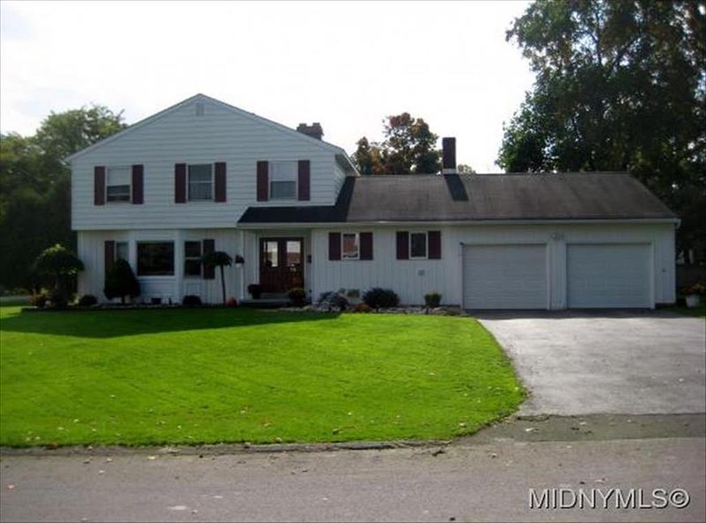 15 Woodstream Ct. New Hartford, NY 13413