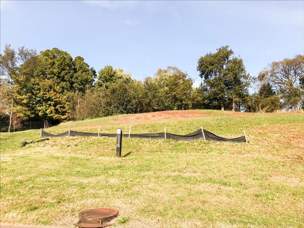 7101 Sir Arthur Way Knoxville, TN 37919