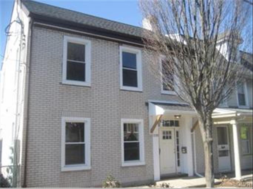 228 Main St Hellertown, PA 18055