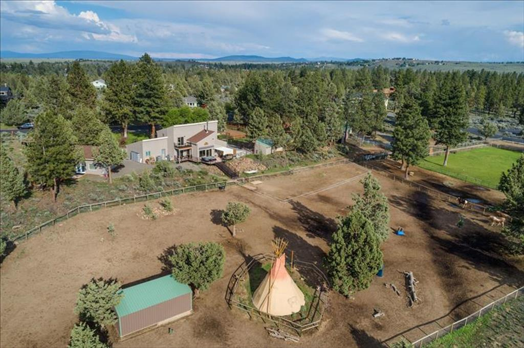 22060 Quebec Drive, one of homes for sale in Bend