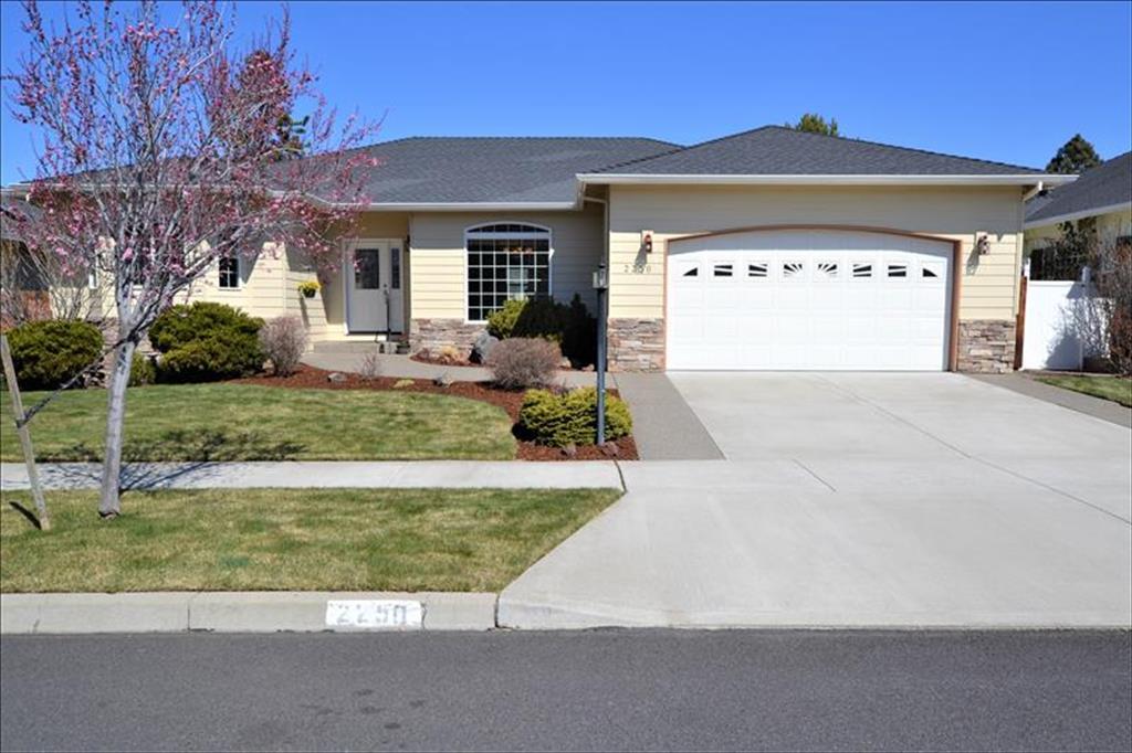 2250 SE Velocette Lane, Bend, Oregon
