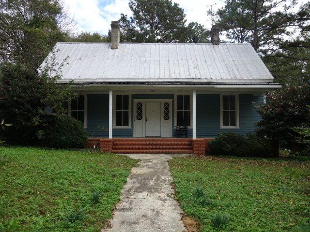 303 Thornton St, Union Point, GA 30669