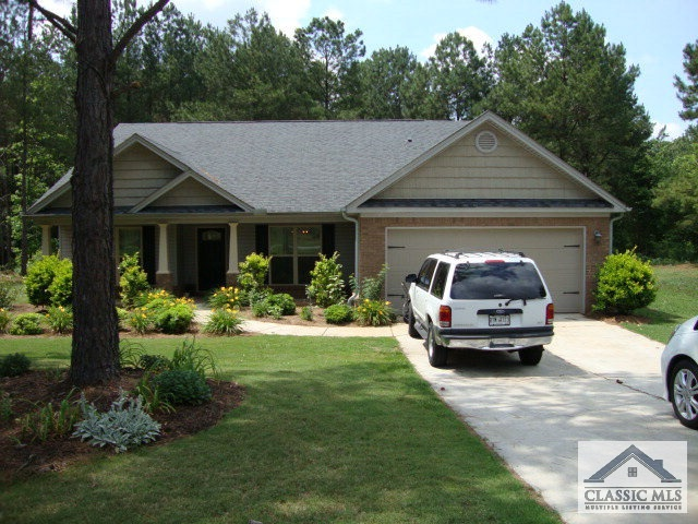 Photo of 238 SHADOW LAKE DR  Arnoldsville  GA