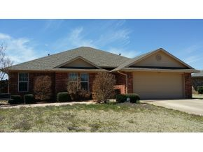 2921 Laurel Cir, Altus, OK 73521