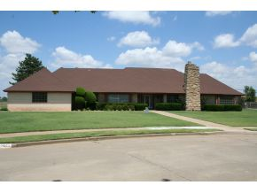 1405 Rose Haven Dr, Altus, OK 73521
