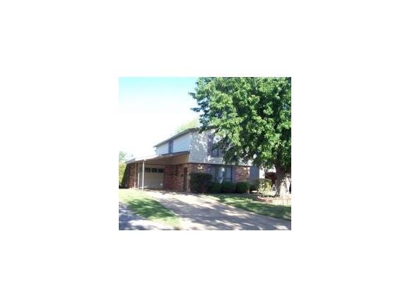 329 S Robinson Ave, Mangum, OK 73554