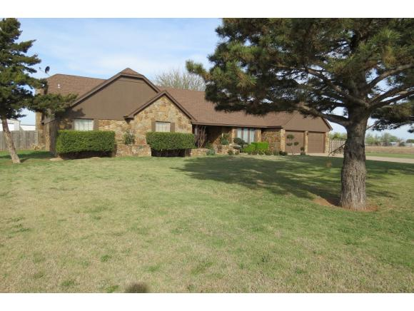 Image of Residential for Sale near Altus, Oklahoma, in Jackson county: 4.32 acres