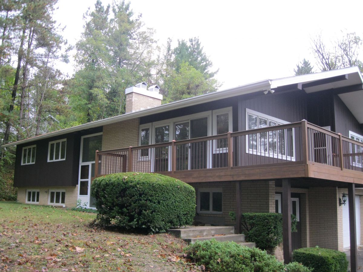 149 Pine Grove Dr, Nelsonville, OH 45764