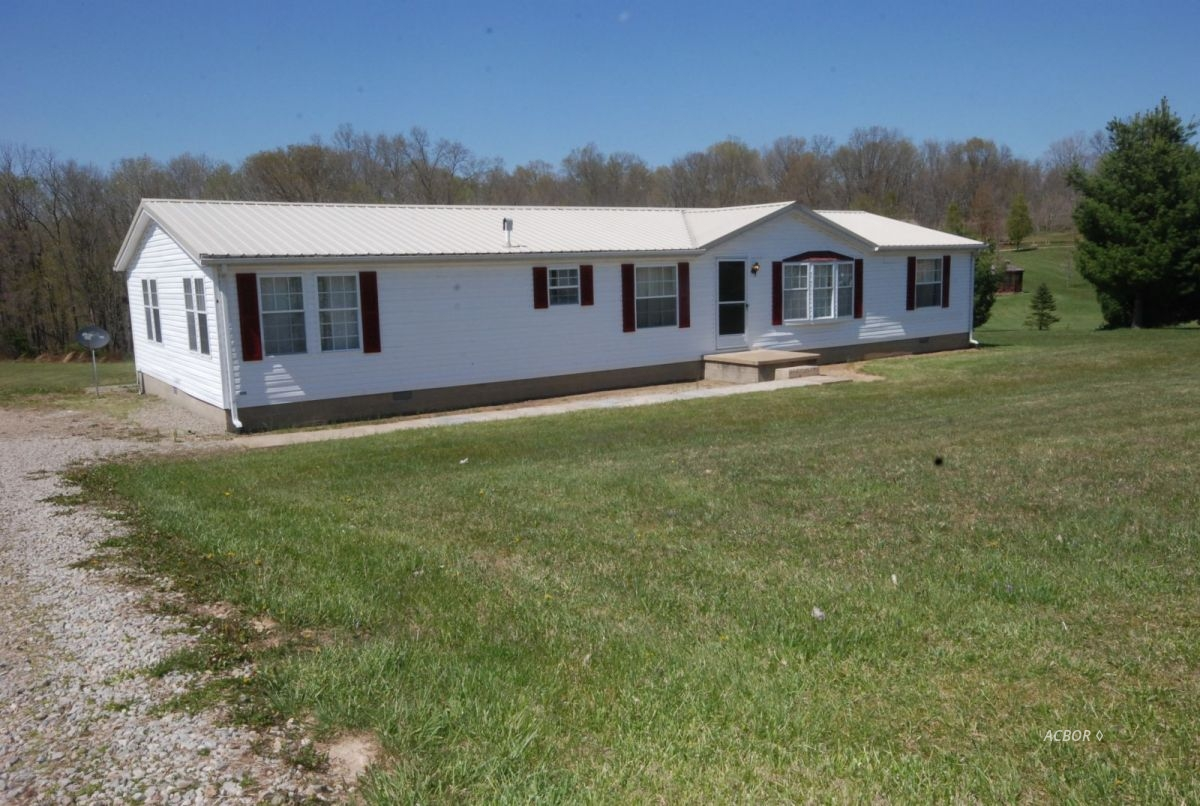 28146 Old State Route 346 Albany, OH 45710
