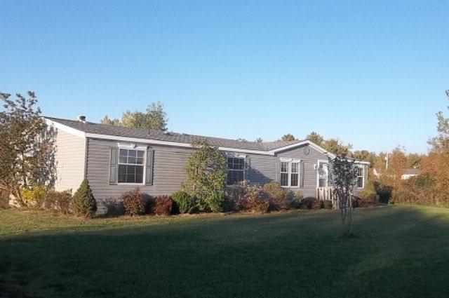 16 Clark Rd, Champlain, NY 12919