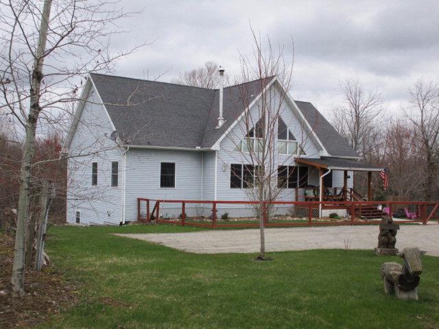 399 Creek Rd, Champlain, NY 12919