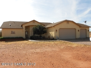 520 E Pattie Ln, Huachuca City, AZ 85616