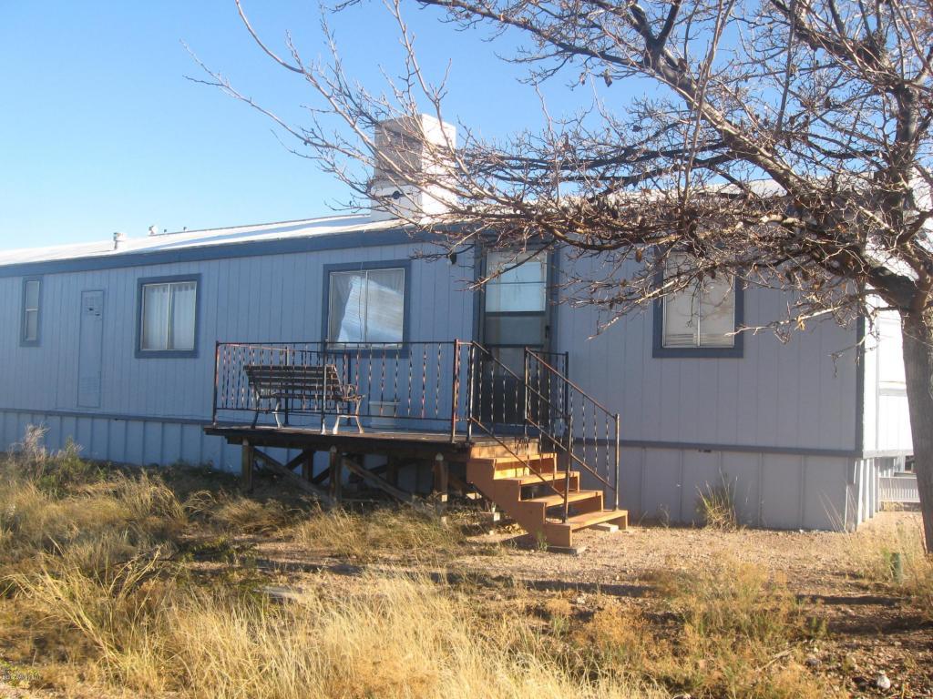 425 N Saddleback Dr, Tombstone, AZ 85638