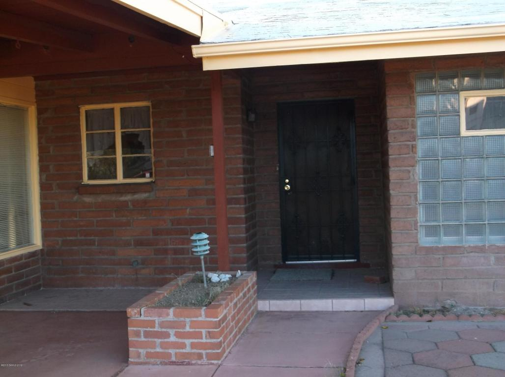 120 N Escondida Dr, Tombstone, AZ 85638