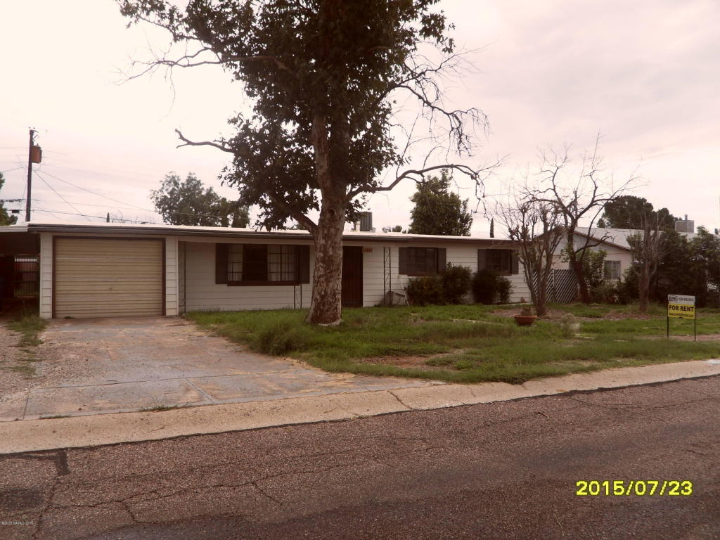 Rental Homes for Rent, ListingId:34027077, location: 35 E James Drive Sierra Vista 85635