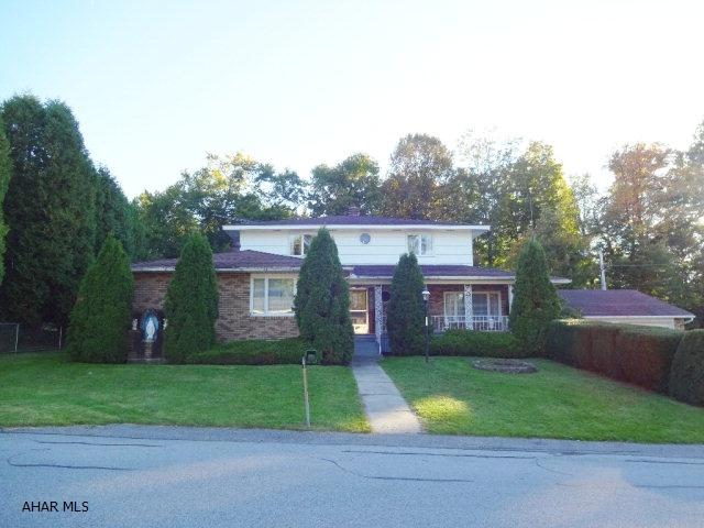 210 Central Ave, Cresson, PA 16630