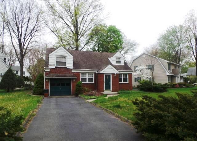 2 Berwyn Pl, Glen Rock, NJ 07452
