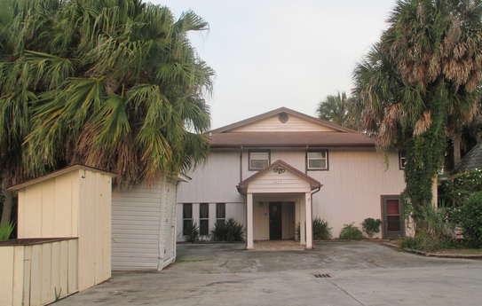1027 Pine Way, Okeechobee, FL 34974