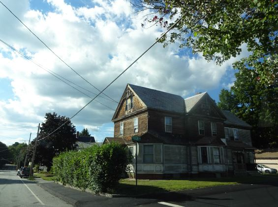Photo of 31 Myrtle St  Claremont  NH