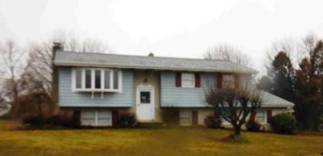 465 Blue Ridge Dr, Nazareth, PA 18064