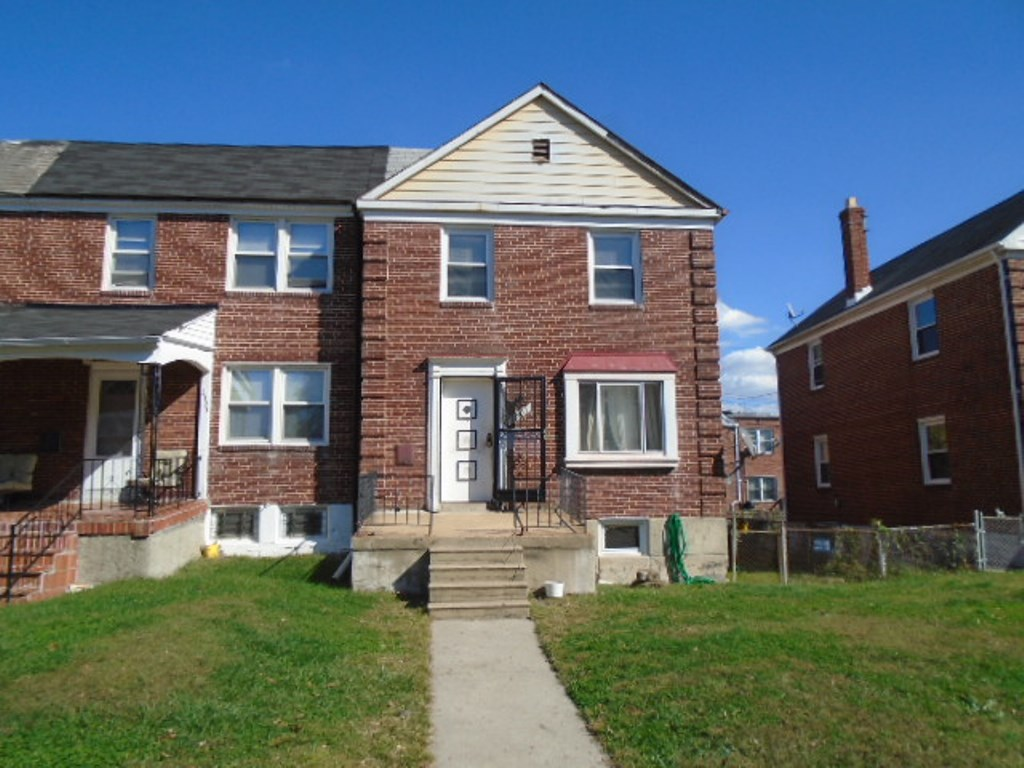 Photo of 2301 N Dukeland St  Baltimore  MD