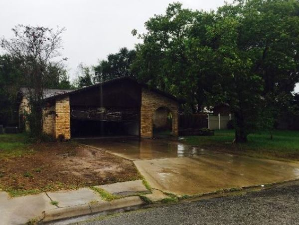 Photo of 1105 Stonegate St  Alice  TX