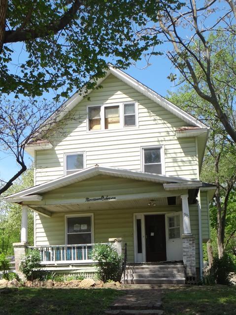 1907 Sw Buchanan St, Topeka, KS 66604