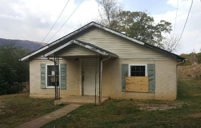Photo of 555 E Illinois Ave  Whitwell  TN