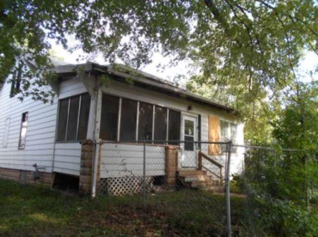 1235 Glenhurst Ct, Rock Island, IL 61201