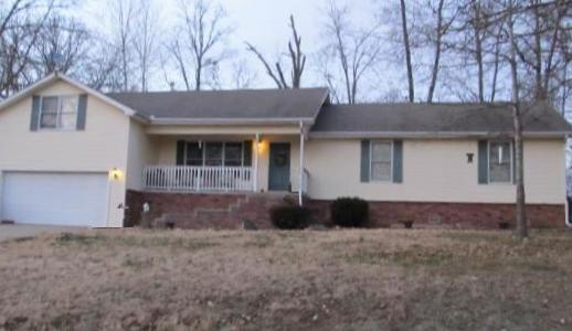1209 Lake Road Dr, Cassville, MO 65625