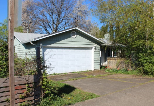 Photo of 1571 Green Acres Rd  Eugene  OR
