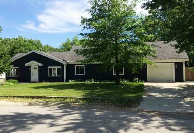 17w301 Hickory Ave, Addison, IL 60101